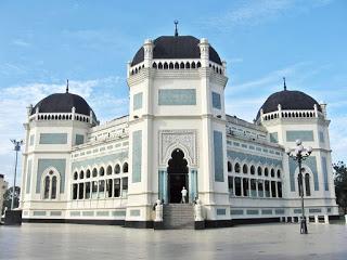 https://3.bp.blogspot.com/-ilBMRpEphy8/WRVxygonveI/AAAAAAAAHhM/SXJTKvX7lacyuy9TBAj-ARDNfskzRDoUwCLcB/s320/Masjid-Raya-Medan.jpg